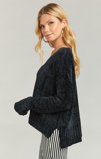 Show Me Your Mumu Hug Me Crop Sweater in Black Chenille MF8-1266