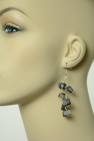 Black Shell Dangle Earrings 280