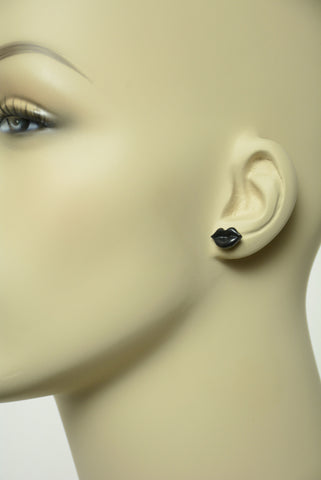Black Lips Stud Earrings 450