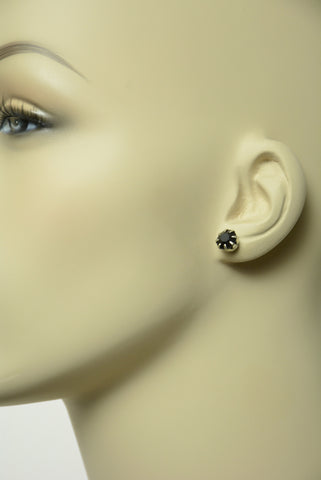 Black Bling Stud Earrings 584