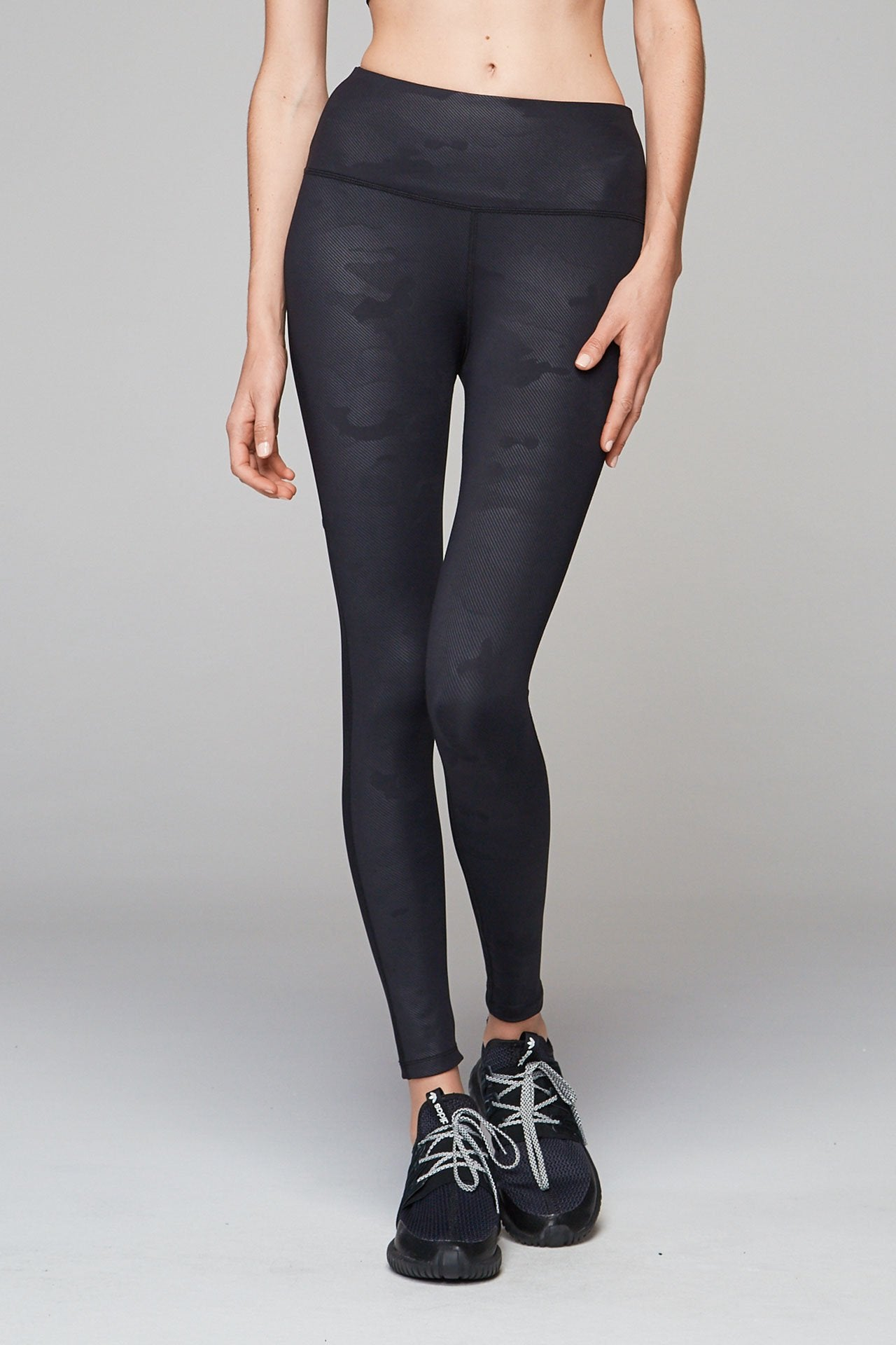 Varley Kingman Black Camo Tight - yApparel
