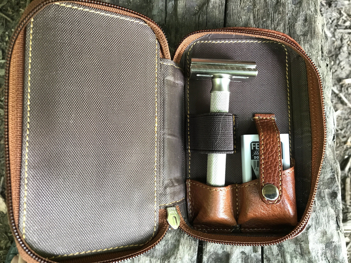 Razor Case - Saddle Leather Case For Safety Razor And Blades