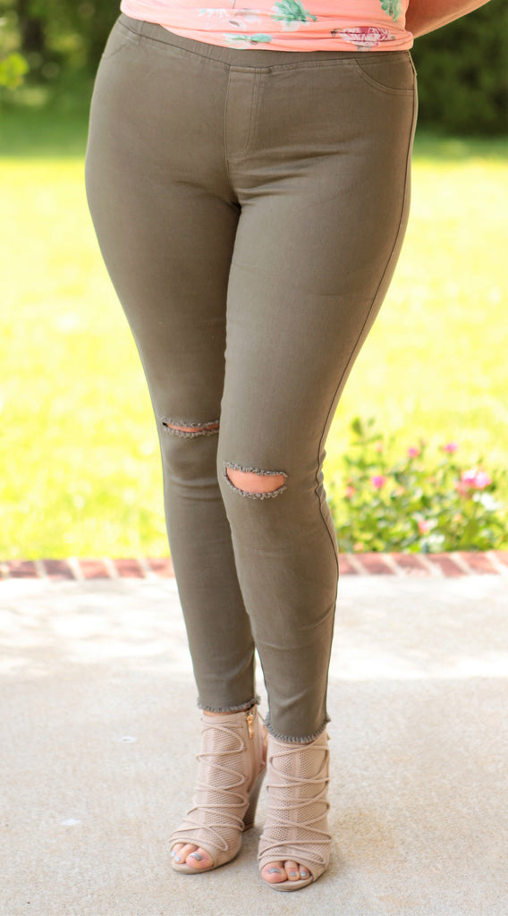 Knee Ripped Jeggings