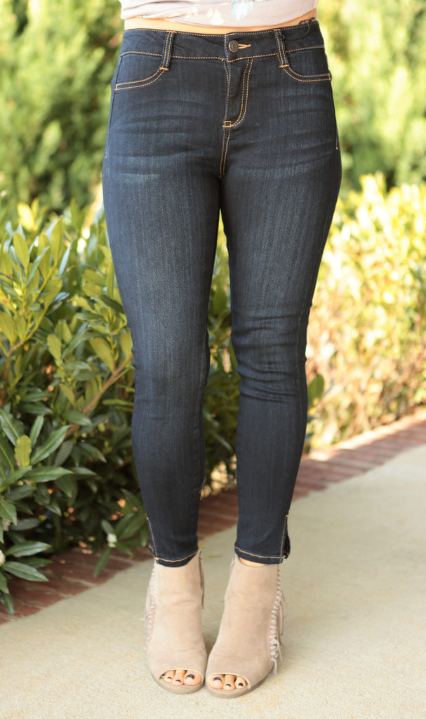 Cropped Slit Jeans ( available in 2 washes)