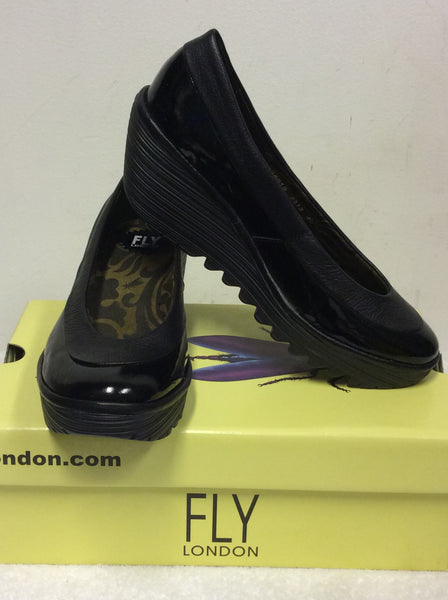 BRAND NEW FLY LONDON YOKO BLACK PATENT LEATHER WEDGE HEEL SHOES SIZE 7/40