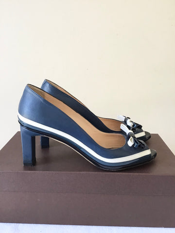 BALLY BLUE WITH BLACK & WHITE BOW TRIM PEEPTOE LEATHER HEELS SIZE 4/37