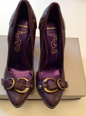 BRONX PURPLE BUCKLE TRIM HEELS SIZE 4/37