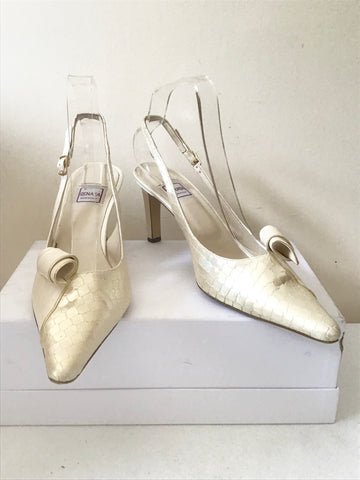 RENATA IVORY PEARLISED LEATHER SLINGBACK HEELS SIZE 5.5/ 38.5