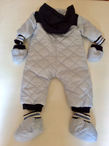HUGO BOSS LIGHT BLUE HOODED SNOWSUIT WITH MATCHING MITTENS & BOOTIES AGE 9 MONTHS
