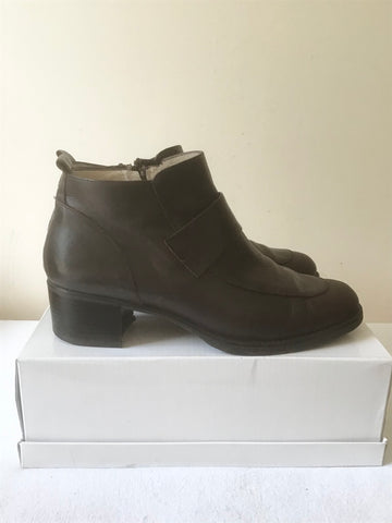 BALLY SURA DARK BROWN LEATHER SHORT BOOTS SIZE 6/39