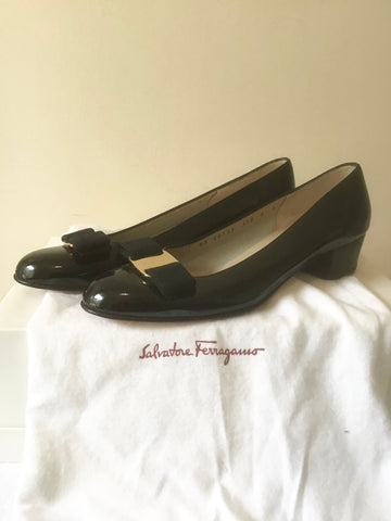 BRAND NEW SALVATORE FERRAGAMO BLACK PATENT LEATHER BOW TRIM COURT SHOES SIZE 2/35