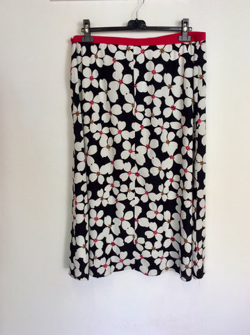 JACQUES VERT FLORAL PRINT SKIRT & MATCHING CLUTCH/ SHOULDER BAG SIZE 18