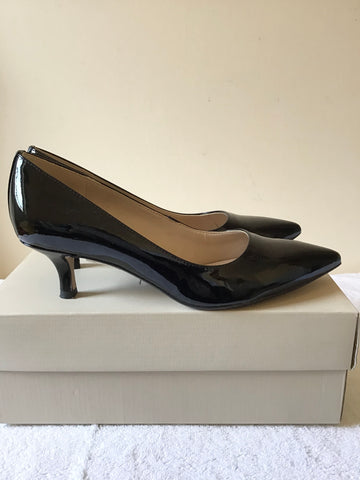 CLARKS BLACK PATENT LEATHER HEELS SIZE 5/38
