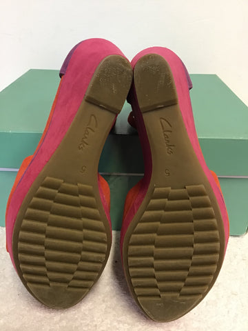 BRAND NEW CLARKS SOFT WEAR CORAL,PINK & PURPLE SUEDE WEDGE HEEL SANDALS SIZE 5/38