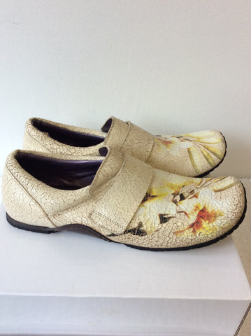 BRAND NEW IRREGULAR CHOICE CREAM CRACKED LEATHER FLOWER PRINT SLIP ON SHOES SIZE 8/42