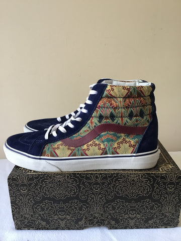 VANS NAVY BLUE & MULTICOLOURED HIGH TOP SKATEBOARD SHOE SIZE 9.5/43