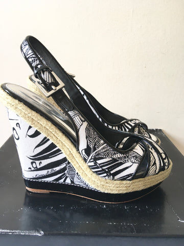 KAREN MILLEN BLACK & WHITE PRINT WEDGE HEEL SANDALS SIZE 5/38