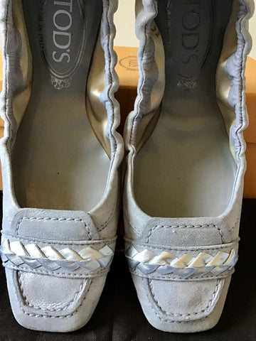 TODS LIGHT GREY & SILVER TRIM TEXTILE & LEATHER FLATS SIZE 2.5/35
