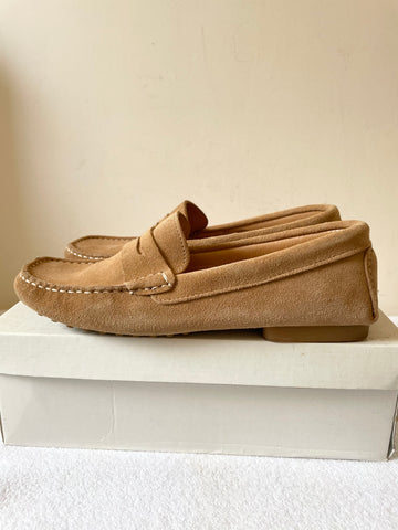 BODEN PENNY BEIGE SUEDE LOAFER FLATS/ DRIVING SHOES SIZE 7/40