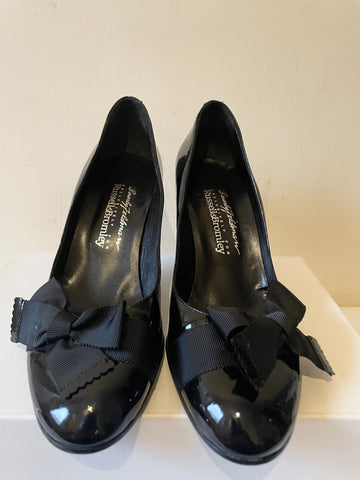 BEVERLEY FIELDMAN FOR RUSSELL & BROMLEY BLACK PATENT LEATHER HEELS SIZE 4.5/37.5