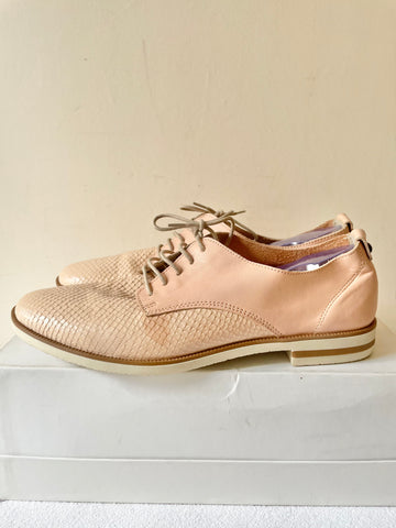 BRAND NEW WITH DEFECT GEMO WOMAN PALE PEACH LACE UP LEATHER FLATS SIZE 7/40