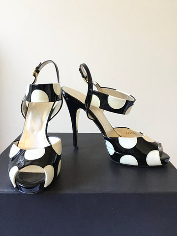 DESIGNER VALENTINO GARAVANI BLACK & WHITE SPOT PATENT LEATHER PEEPTOE SANDALS SIZE 6/39