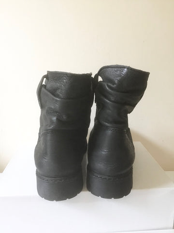 BUFFALO BLACK LEATHER ANKLE BOOTS SIZE 6/39