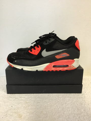 NIKE AIR MAX 90 ESSENTIAL BLACK,WOLF GREY & ATOMIC RED TRAINERS SIZE 9/44
