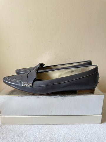 TODS PETROL BLUE/GREY LEATHER POINTED TOE LOAFERS SIZE 6..5/39.5