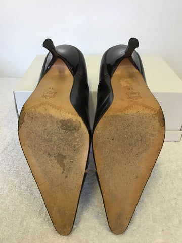 GUESS DARK BROWN & CAMEL TRIM ALL LEATHER HEELS SIZE 5/38