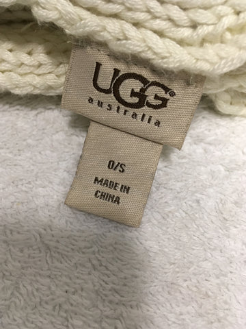UGG IVORY CABLE KNIT HAT & SCARF SET