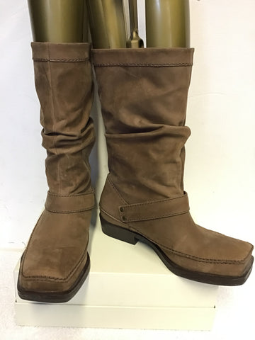 BRAND NEW CLARKS TAN WAX LEATHER COATED CALF LENGTH BOOTS SIZE 5/38