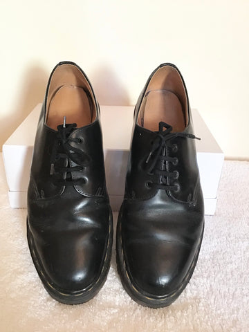 Dr MARTENS BLACK LEATHER LACE UP SHOES SIZE 8/42