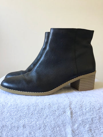 CLARKS NAVY BLUE LEATHER ANKLE BOOTS SIZE 4/37