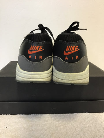 NIKE AIR MAX VP WOLF GREY & BLACK TRAINERS SIZE 9/44
