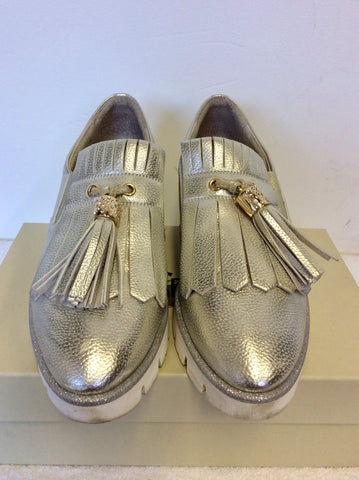 DL SPORT SILVER & WHITE WEDGE HEEL LEATHER LOAFERS SIZE 7/40