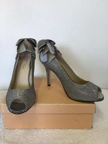 THE ESSENCE MENBUR SILVER GREY GLITTER SPARKLE PEETOE BOW TRIM HEELS & MATCHING BAG SIZE 7.5/41