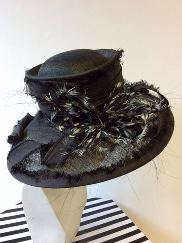 VICTORIA ANN BLACK & WHITE FEATHER TRIM WIDE BRIM FORMAL HAT
