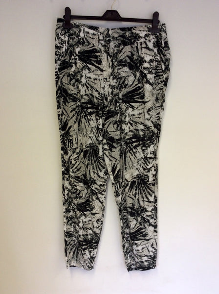 GERRY WEBER BLACK,GREY & WHITE PRINT CASUAL TROUSERS SIZE 18