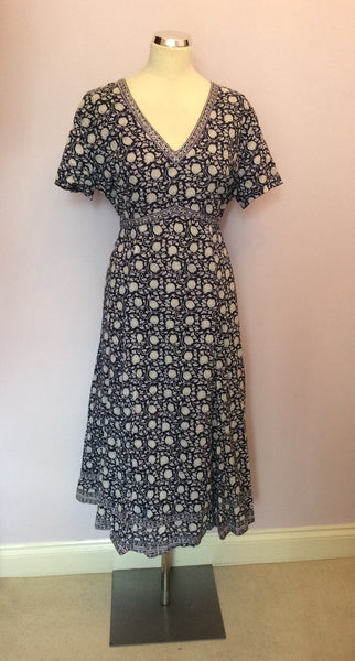 ANOKHI FOR EAST BLUE & WHITE FLORAL PRINT COTTON DRESS SIZE 18 - Whispers Dress Agency - Sold - 1