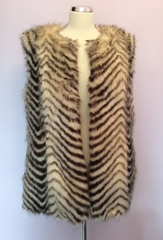 Armani Exchange Faux Fur Gilet Size L - Whispers Dress Agency - Womens Gilets & Body Warmers - 2