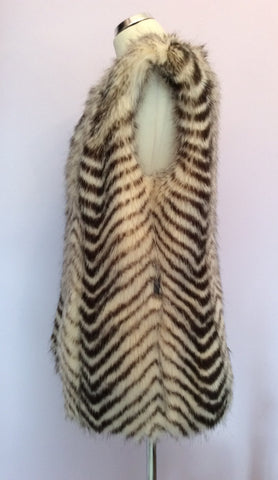 Armani Exchange Faux Fur Gilet Size L - Whispers Dress Agency - Womens Gilets & Body Warmers - 4