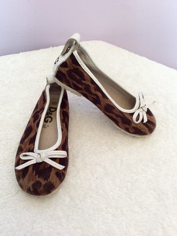 Dolce & Gabbana Junior Brown Canvas Leopard Print Pumps Size 8.5/ 26 - Whispers Dress Agency - Girls Footwear - 1