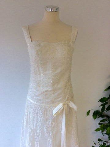 Beautiful Ivory Embroidered & Beaded Lace Wedding Dress With Train Size UK 6/8 - Whispers Dress Agency - Womens Dresses - 3