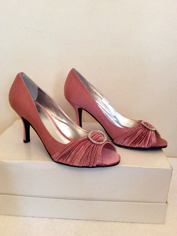 BRAND NEW LUNAR PINK SATIN PEEP TOE DIAMANTÉ TRIM HEELS SIZE 7/40 - Whispers Dress Agency - Womens Heels - 2