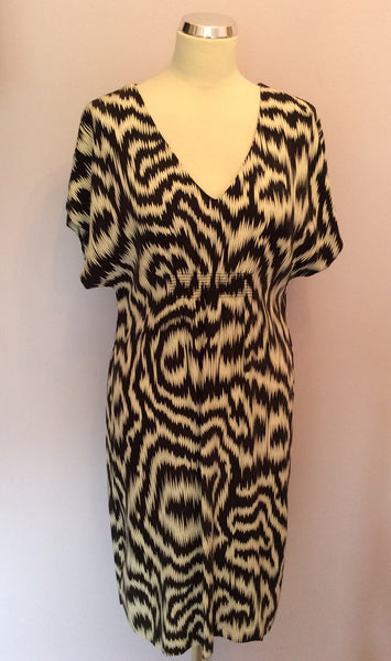 Jaeger Black & Ivory Print Silk Dress Size 10 - Whispers Dress Agency - Sold - 1