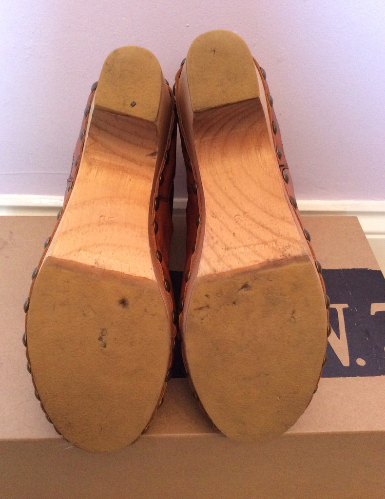 Chanel Black/Beige 15a Leather Two Tone Ankle Heels 38