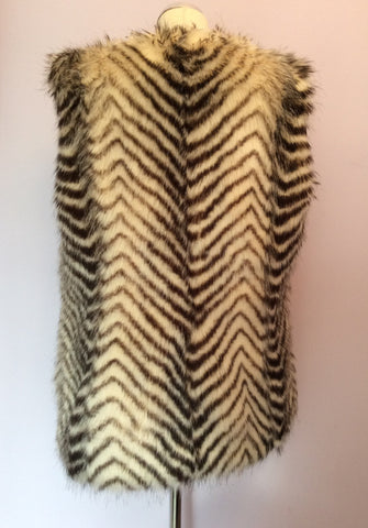 Armani Exchange Faux Fur Gilet Size L - Whispers Dress Agency - Womens Gilets & Body Warmers - 3