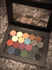 AMPLIFY™ HOLIDAY 2018 PALETTE