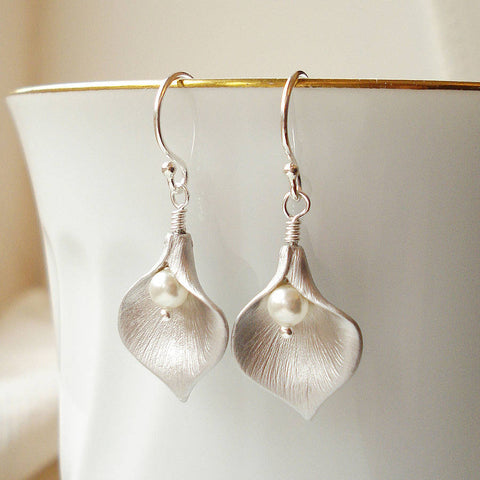 Calla Lily Earrings - Mia Belle Jewellery
